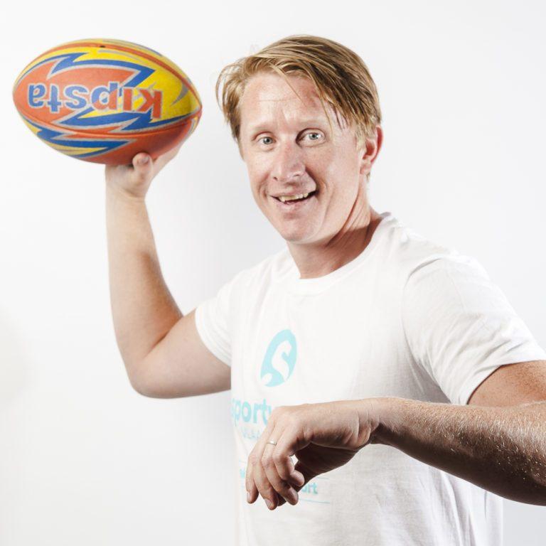 Davy Callewaert met bal in de hand